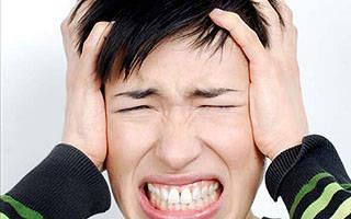 Пульсирующий шум в правом ухе: причины и лечение
