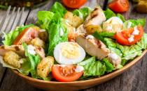 Салат Цезарь с курицей: рецепты