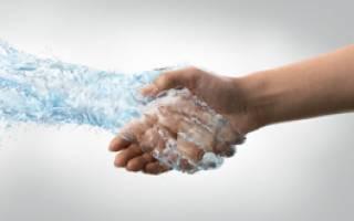 7 причин, почему ваши руки часто потеют