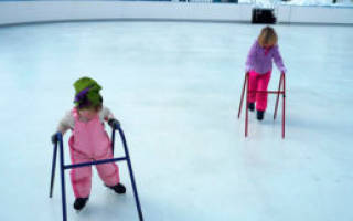 Как научить ребенка кататься на коньках на катке